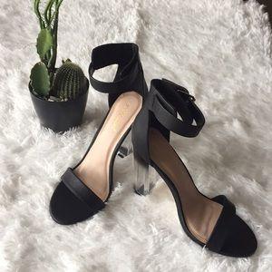 Shoedazzle black sandals size 10